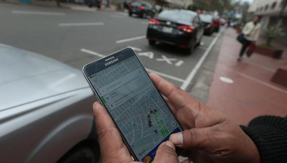 El mercado de taxis por aplicativo tiene la lógica de economía colaborativa, donde un conjunto de choferes se asocian y ofrecen sus servicios. (Foto: GEC)