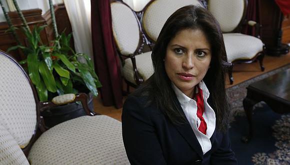 Ministra Carmen Omonte declarará hoy ante Comisión de Ética