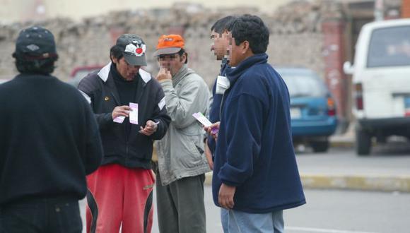 La Policía Nacional detalló cómo se procedió a capturar a los revendedores acusados de estafar a los hinchas con entradas falsificadas. (Foto: GEC / Referencial)