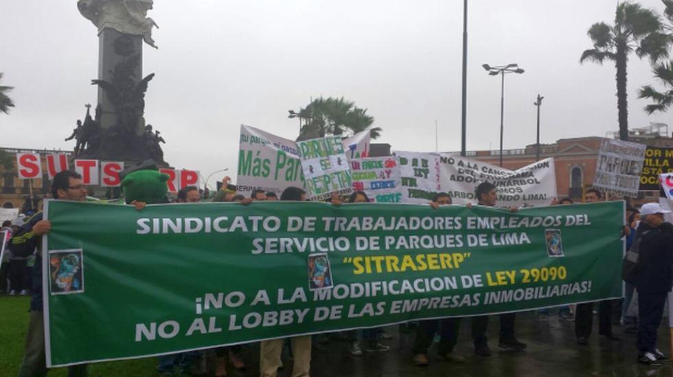 Vecinos y trabajadores de Serpar protestan en el Cercado - 1