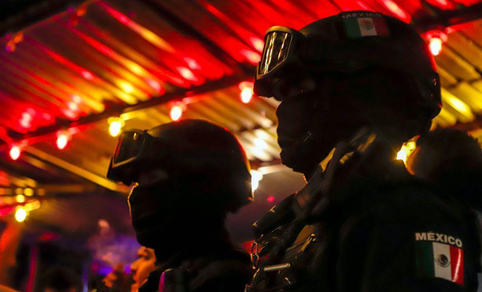 Grupos rivales de traficantes de personas se enfrentaron en el sur de México cerca de la frontera con Guatemala, dejando un saldo de dos guatemaltecos muertos y siete personas heridas. (Referencial AP)