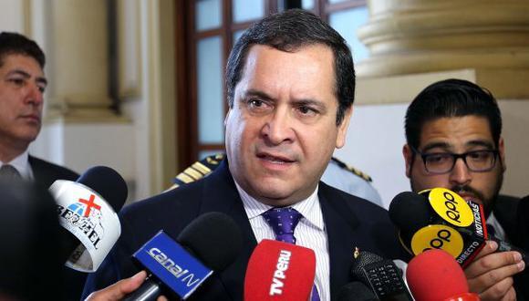 """""""Ha tenido, obviamente, ciertas discrepancias con la bancada parlamentaria, pero nos ha señalado fehacientemente que se mantiene en el partido y la plancha presidencial"""", afirmó Luis Iberico (Foto: El Comercio)"""