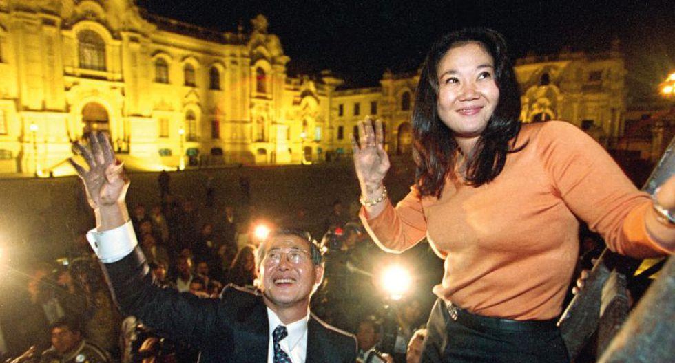 Las manos sucias de Alberto Fujimori y su hija Keiko al subir la reja de Palacio es una imagen icónica tomada por la fotógrafa Verónica Salem.