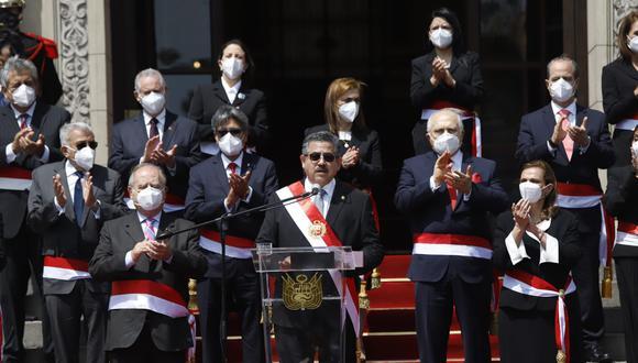 Manuel Merino brinda un mensaje luego de juramentar a su Gabinete Ministerial, ayer, en Palacio de Gobierno. (Foto: Presidencia).