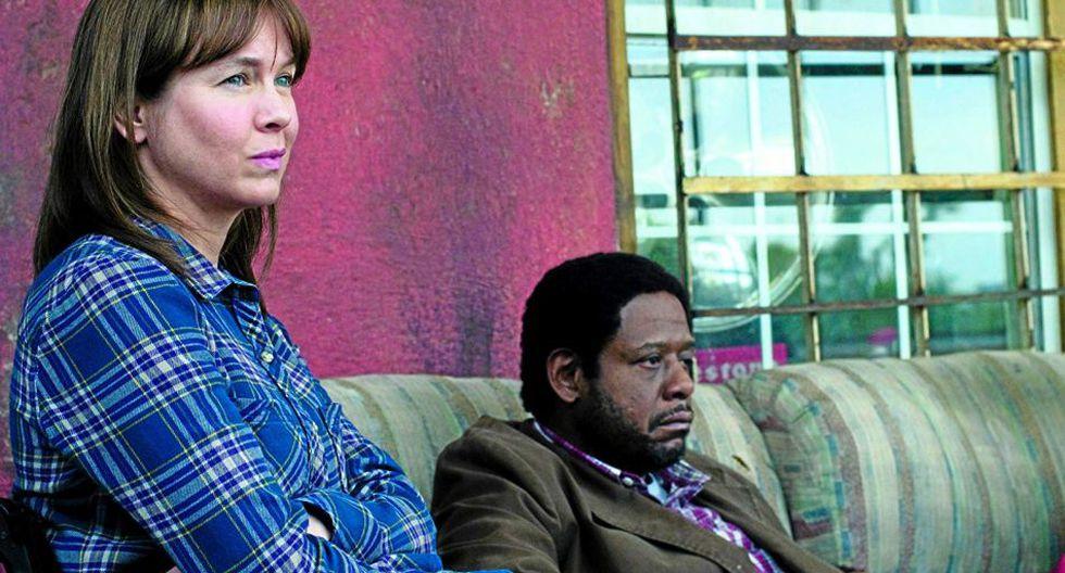 Ahí interpreta a Jane Wyatt, una ex cantante que sufre un accidente, pierde a su esposo y queda paralítica.