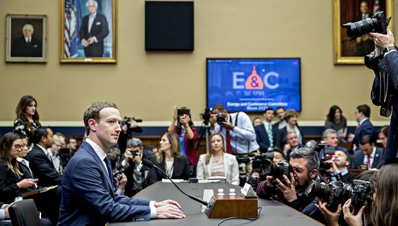 Mark Zuckerberg, chief executive officer and founder of Facebook Inc., waits to begin a House Energy and Commerce Committee hearing in Washington, D.C., U.S., on Wednesday, April 11, 2018. Senators grilling Zuckerberg yesterday over a data leak signaled they may move to rein in the social media giant, which has thrived as part of an online industry that's largely escaped regulation. Photographer: Andrew Harrer/Bloomberg
