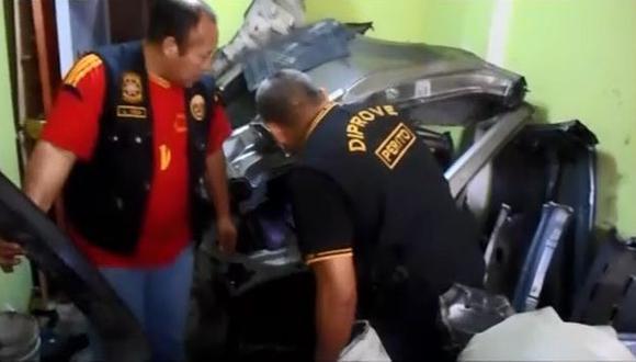 Los Olivos: allanan cochera donde desmantelaban autos [VIDEO]