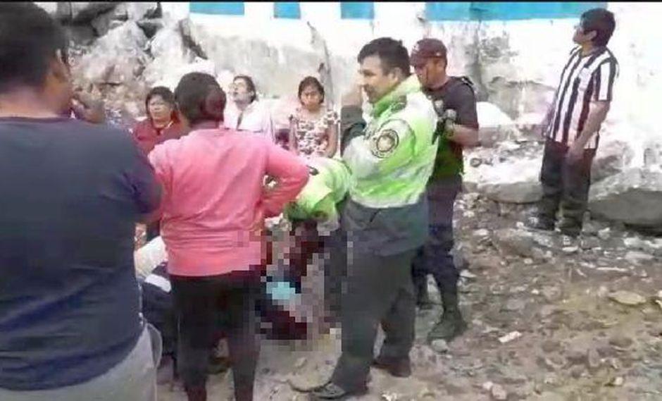 La víctima cayó desde un altura de siete metros y quedó tendido varios minutos en el suelo (Foto. Municipalidad de Nuevo Chimbote)