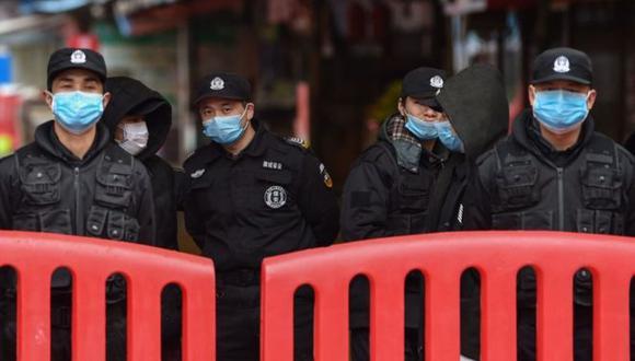 Las autoridades chinas cancelaron la salida de Wuhan de autobuses, trenes, metros y ferris, con la intención de evitar la propagación del coronavirus. (Foto: Getty Images, via BBC Mundo)