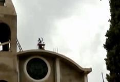 Huánuco: sacerdote ofrece misas desde el techo de la Iglesia   VIDEO