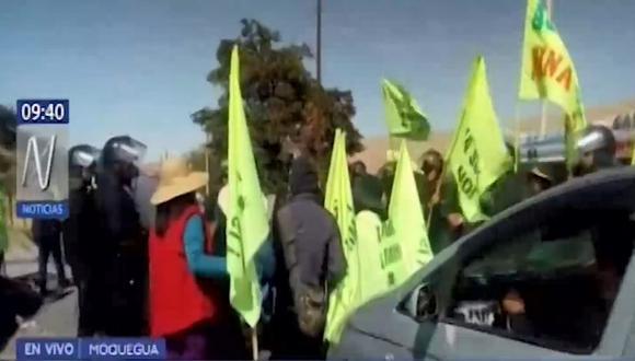 Población del Valle de Tumilaca participan por tercer día consecutivo del paro indefinido contra el proyecto minero Quellaveco. (Captura: Canal N)