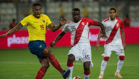 Valencia, actualmente retirado, enfrentando a Ramos en 2018. (Foto: AFP)