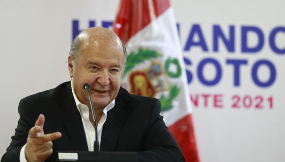 "De Soto cuestionó que López Aliaga proponga un modelo capitalista ""del siglo XIX"" y tenga posiciones extremas. (Foto: GEC)"