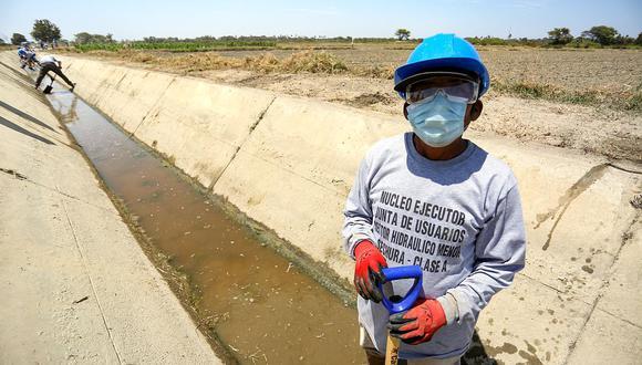 Se impulsa la generación de empleo en el sector mediante la limpieza y el mantenimiento de la infraestructura de riego, dijo Montenegro. (Foto: GEC)