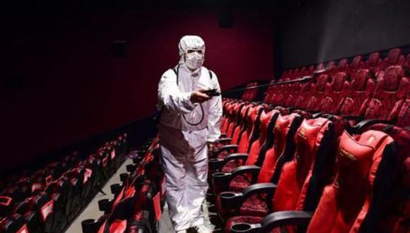 Por ahora, solo dos cadenas de cines reabrirían sus puertas. El resto todavía no lo ha hecho. (Foto: Andina)