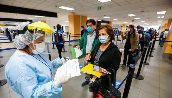 Las personas que salieron salieron del país la semana pasada se enteraron en el camino que ahora las reglas para regresar al país son otras. (Foto: referencial/Andina)