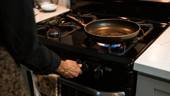 Recurre a estos consejos para dejar limpia  y como nueva la sartén para no tener que tirarla. (Foto: RODNAE Productions / Pexels)
