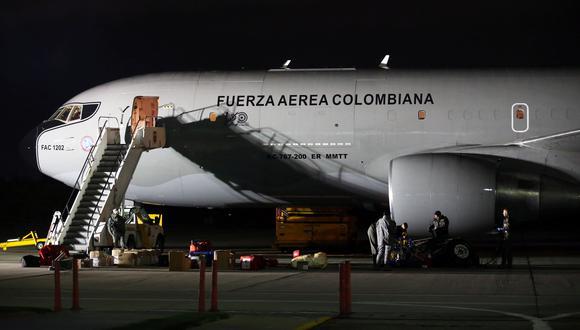 El avión de la Fuerza Aérea de Colombia que partió para evacuar a los colombianos que están en Wuhan, China. (REUTERS/Luisa González).