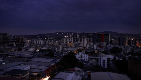 Vista del barrio de Chacao durante un corte de energía en Caracas el 7 de marzo de 2019. (Foto: AFP)