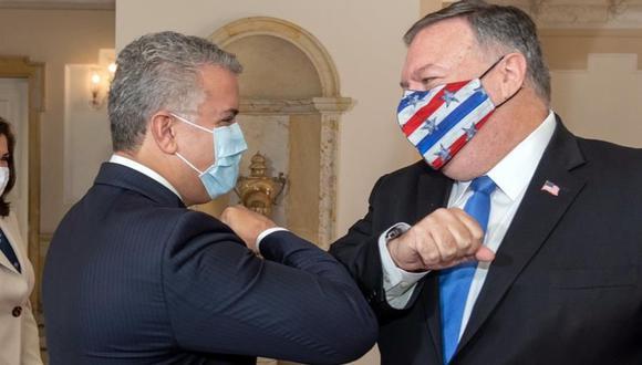 El presidente de Colombia, Iván Duque (izquierda), recibe al secretario de Estado de Estados Unidos, Mike Pompeo. (EFE).