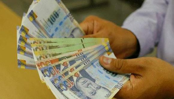 Trabajadores de empresas privadas podrán percibir este beneficio la quincena de julio de este año. (Foto: Andina / Referencial)