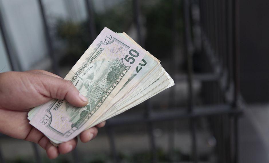 El dólar n la franja marginal subía un 0,44%. (Foto: GEC)