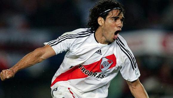 Radamel Falcao comentó en redes sociales un vídeo de River Plate y no dudo en elogiar a Marcelo Gallardo quien es el director técnico de River Plate.  (As Mónaco)