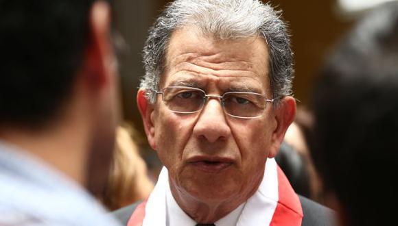 TC ratificó a Óscar Urviola como su presidente hasta fin de año