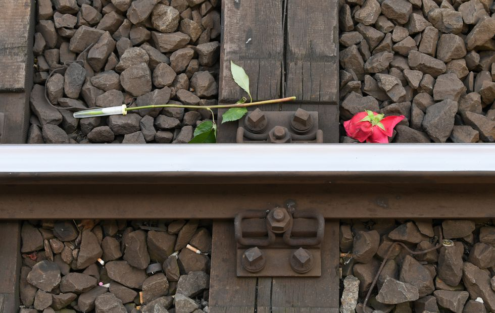 Conmoción en Alemania por la muerte de un niño que empujaron a las vías del tren. Foto: AFP
