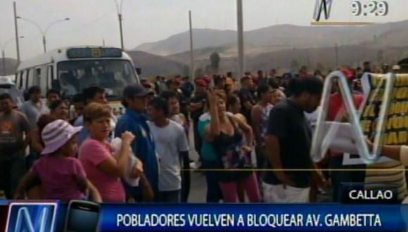 Vecinos de Ventanilla tomaron de nuevo avenida Néstor Gambetta