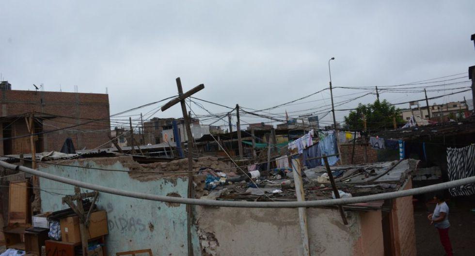 La iniciativa contempla la instalación de techos de calamina de 35 metros cuadrados en las casas donde antes había cartones y telas. (Difusión)
