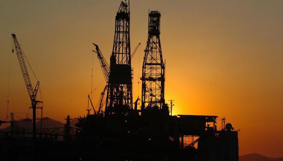 Precio del petróleo cayó ayer 5% en mercados internacionales