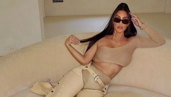 Kim Kardashian abandona su larga cabellera negra y apuesta por un tono rojo. (@kimkardashian).