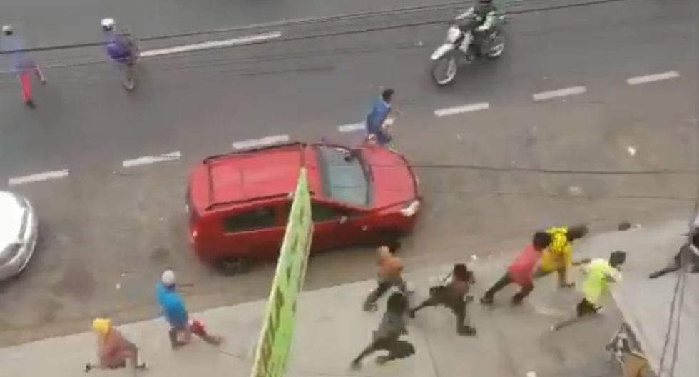 Intento de saqueos en Guayaquil. (Foto: Captura de video).