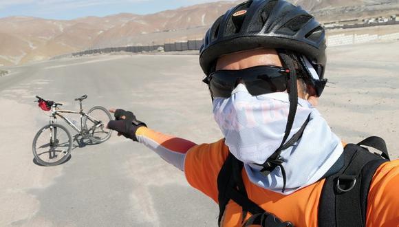 Yván Pereyra de tuvo que recorrer en bicicleta casi 1.000 km. de desierto costeño. (Foto: Archivo personal)