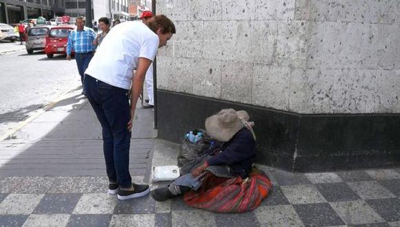 Arequipa: cuatro personas obligaban a su madre a mendigar