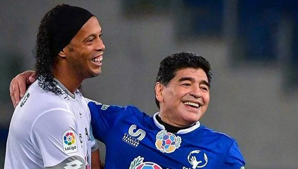 El regalo de Ronaldinho a Diego Maradona llegó directamente a México. (Foto: @10Ronaldinho)