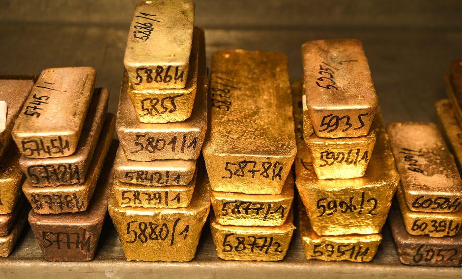 """""""Las tasas de interés en todo el mundo siguen cayendo y en ese entorno, el oro emerge como una inversión sólida"""", señaló Eugen Weinberg, analista de Commerzbank. (Foto: AFP)"""