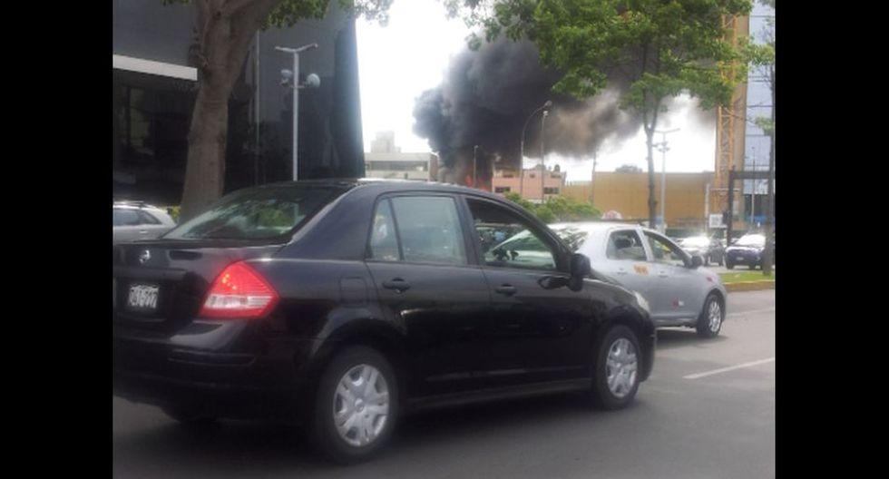 Imágenes del incendio que generó alarma en San Isidro - 5
