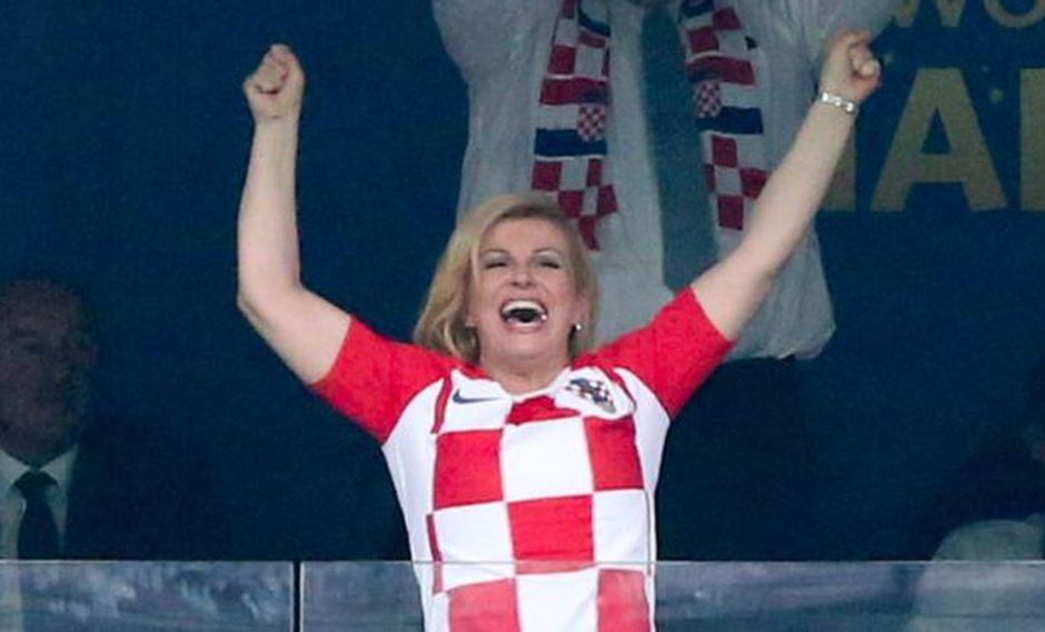 Las imágenes de Kolinda Grabar-Kitarovic celebrando a su equipo de forma efusiva dieron la vuelta al mundo. (Foto: AFP)