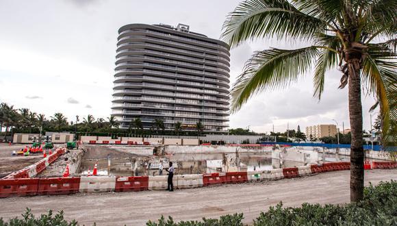Vista general del terreno donde se encontraba el edificio Champlain Towers South que se derrumbó en Surfside, Florida. (Foto de Giorgio Viera / AFP).