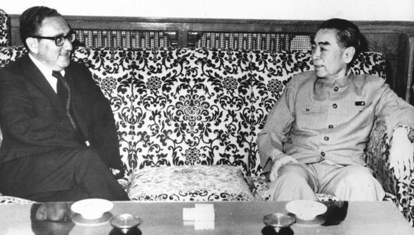 Kissinger y Zhou Enlai negociaron los términos de la visita de Nixon a China. (GETTY IMAGES)