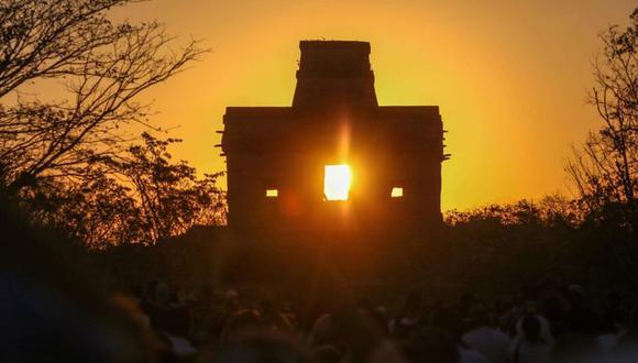 El equinoccio en el Templo de las Siete Muñecas, México. (AFP)