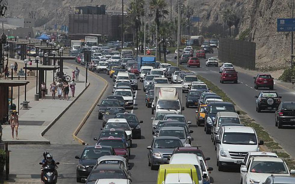 El caos en la Costa Verde se debe a la falta de parqueos y transporte público - 1