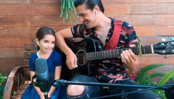 """Vadhir Derbez y su hermana Aitana hicieron su propia versión del tema """"Dance Monkey"""". (Foto: Instagram)"""