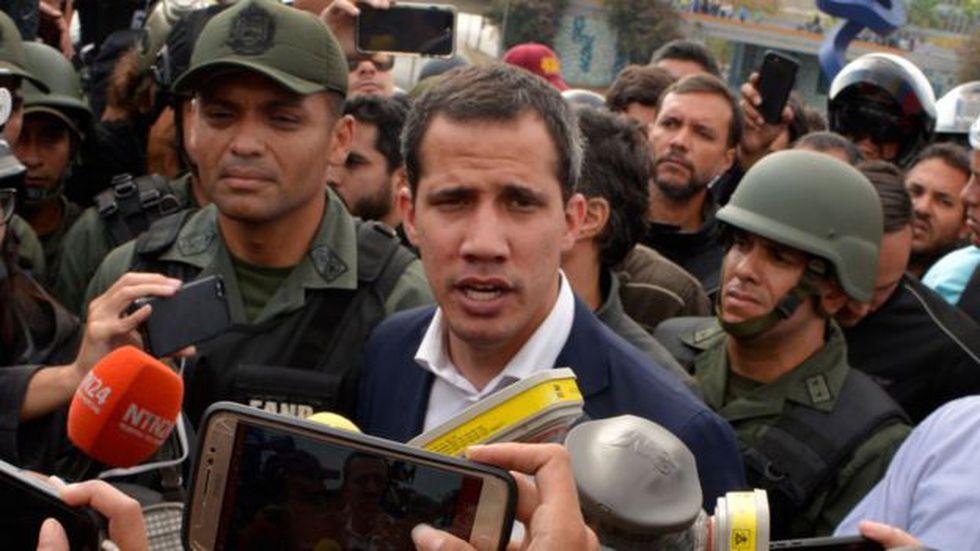 El presidente de la AN, Juan Guaidó, había anunciado previamente que la cámara pensaba tomar esta medida. Foto: Getty images, vía BBC Mundo