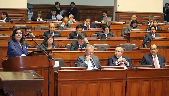 Oposición pide renuncia de tres ministros para dar confianza
