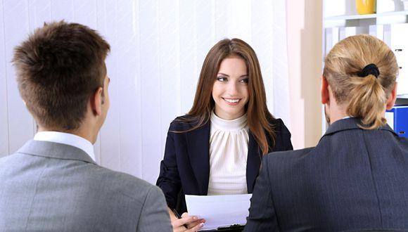 Una entrevista de trabajo se trata de una conversación que busca profundizar y ampliar la información que aparece en el currículo. Foto: AP