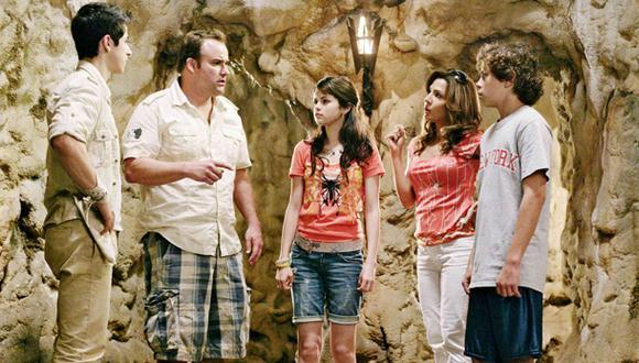 """Selena Gomez y David Henrie, actores de """"Los hechiceros de Waverly Place"""", se reencuentran. (Foto: Disney)"""