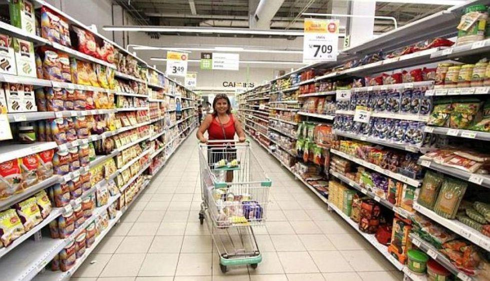 Los supermercados, por ejemplo, están facultados a determinar los puestos de trabajo que están excluidos de la jornada y del día no laborables. (Foto: GEC)